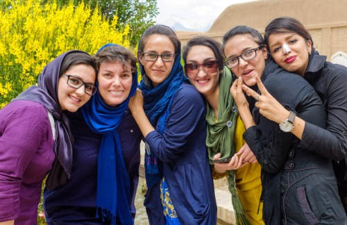 Iran-Kerman-schoolgirls
